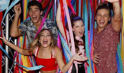 Foto: Mia, Alvaro e Juanma de Go! Viva do seu jeito festejando