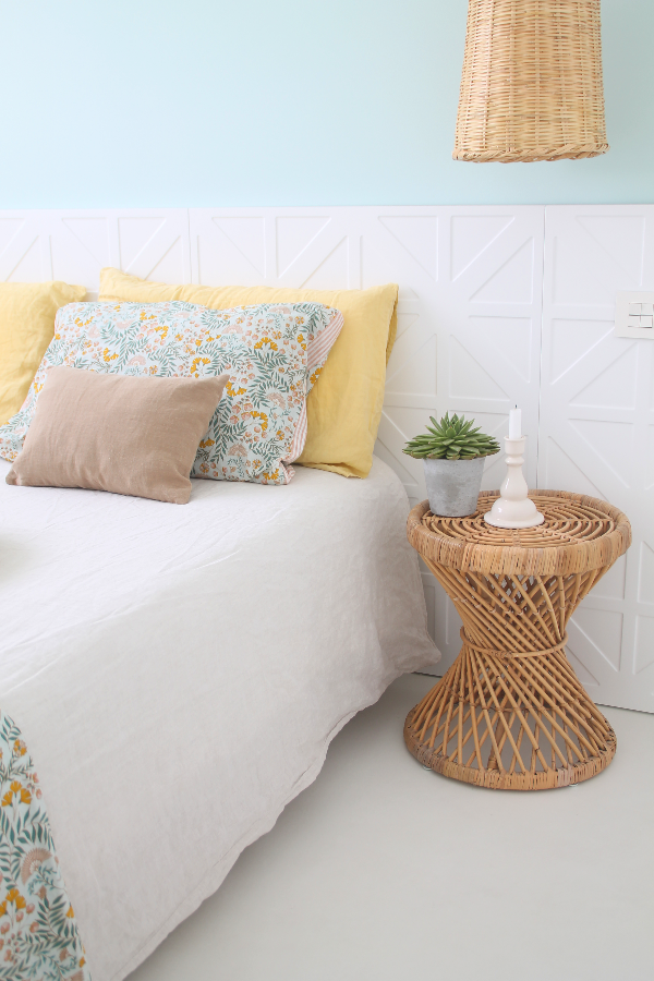 un dormitorio sencillo en cuatro pasos