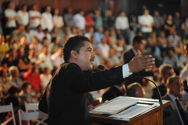 A Lei, de autoria do Dep. Roberto Carlos, 'Bom de Bola, Bom de Escola', foi aprovado por unanimidade - Política, Notícias Portal SPY
