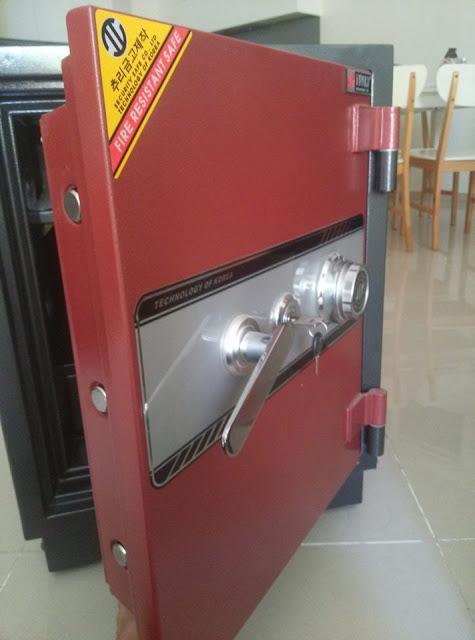 Quên mã số mở két sắt thì phải làm sao?