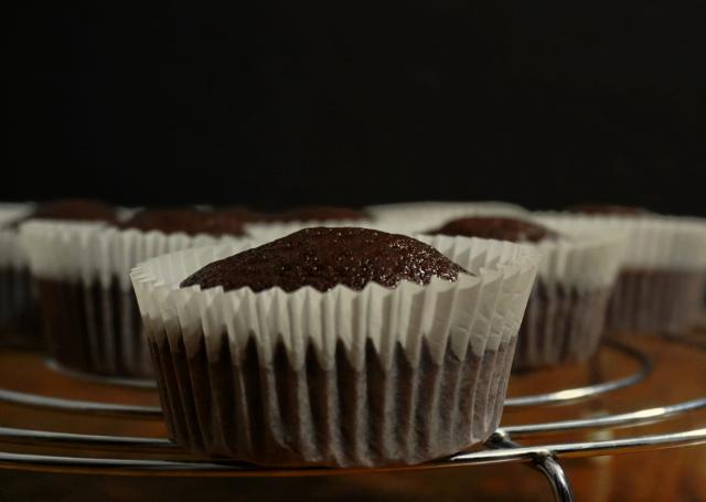Irresistibles y esponjosos CUPCAKES de CHOCOLATE
