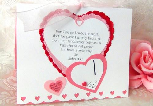kalplerden el yapımı doğum günü hediyesi