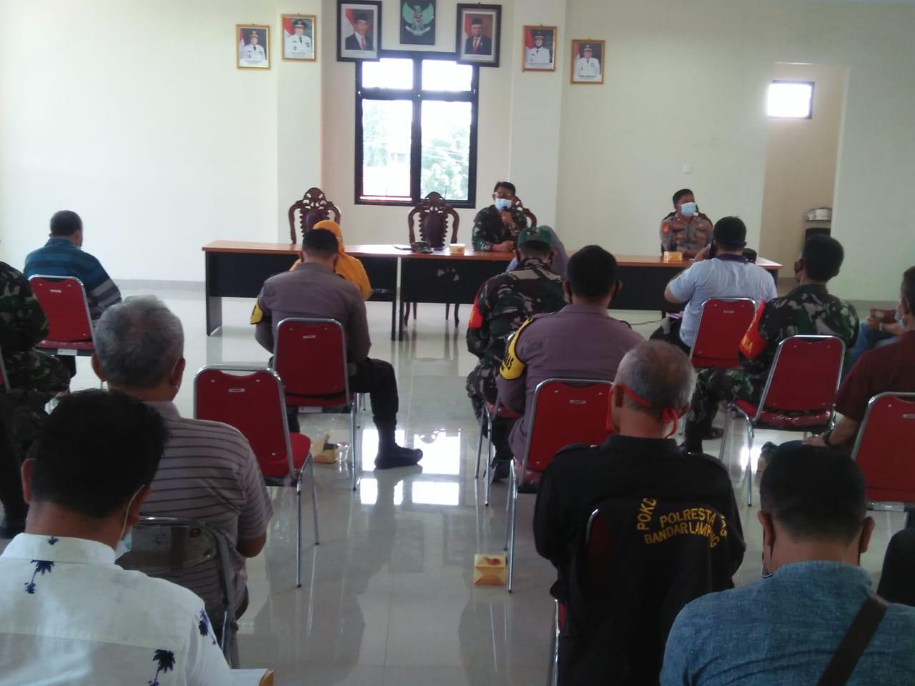 Wadanramil 410-01Panjang Kodim 0410KBL Kapten Cpl Made Diazmika menghadiri kegiatan pembentukan Gugus Tugas penanganan Covid-19 di tingkat Kecamatan Kedamaian
