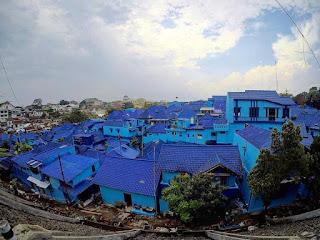 sehabis Kota Malang ngehit dengan adanya  Tempat Wisata Malang Jawa Timur terfavorit dan terbaru untuk keluarga:  12 Foto Terbaru Kampung Biru Arema dan Tiket Masuk