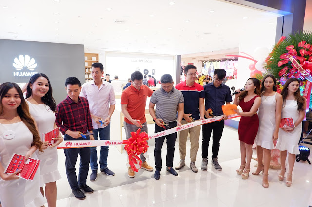Huawei Ayala Central Bloc Concept Store Grand Opening