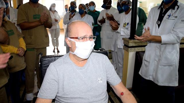 Alta hospitalar do Dr. Damasceno no Hospital Unimed Petrópolis