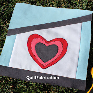 FAMILY-HEART OF HOME-QUILT BLOCK-BLOCK PATTERN-BIRDHOUSE-BIRDHOUSE QUILT