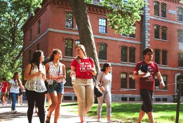 दुनिया के टॉप-10 विश्वविद्यालय, जानें इनकी फीस