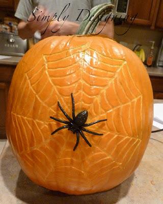 Dremel 10 Pumpkin Carving with a DREMEL 32
