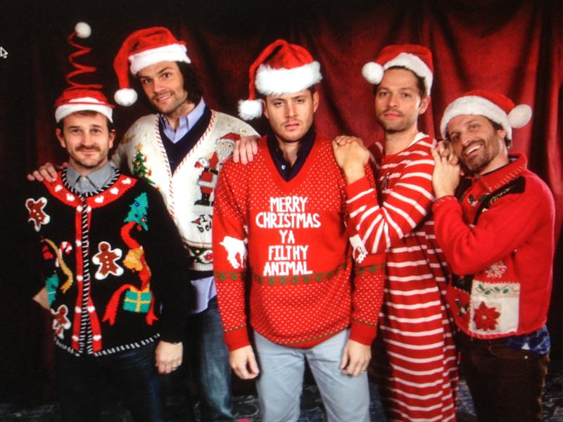 4 вида ужасных и одновременно прекрасных рождественских свитеров