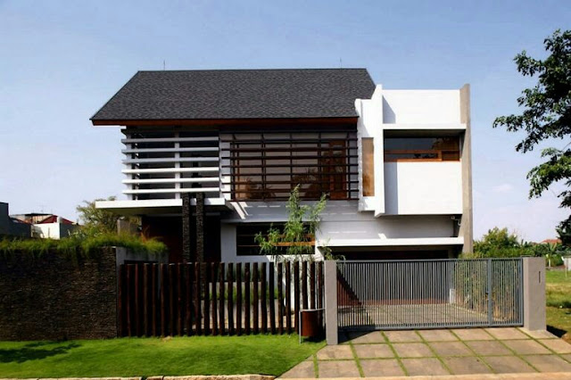 Minimalist 2-storey Tropical House