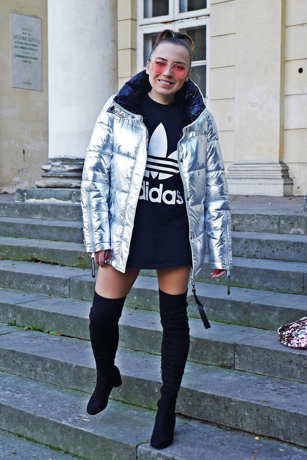 Srebrna pikowana kurtka renee bluzka adidas różowe okulary karyn  blog modowy