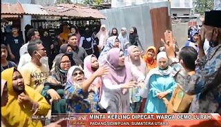 Minta Kepling Di Pecat Puluhan Ibu Rumahtangga Di Kota Sidimpuan Melakukan Unjuk Rasa