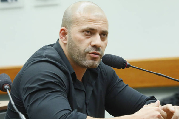 Deputado Daniel Silveira (PSL-RJ) em sessão da Câmara – Foto: Maryanna Oliveira/Arquivo/Câmara dos Deputados