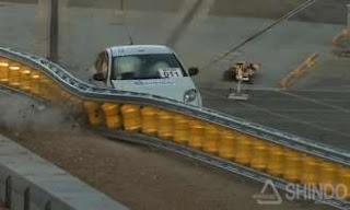 Rolling Barrier System dapat Mengurangi Dampak jika Menabrak Guardrail