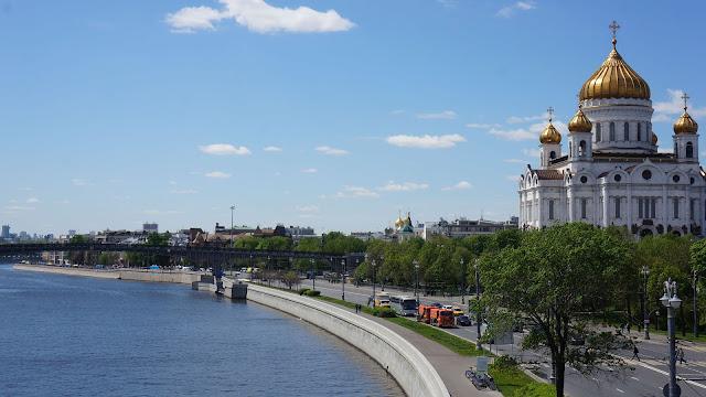 Изображение Храма Христа Спасителя - символа возрождения России