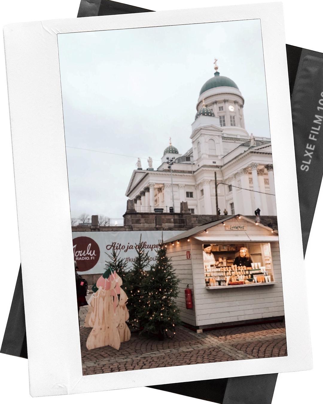 Christmas market at Helsinki Cathedral - Tuomaan markkinat, Tuomiokirkko