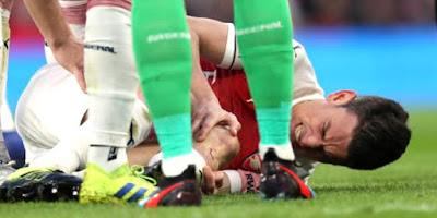 koscielny played with injury man united