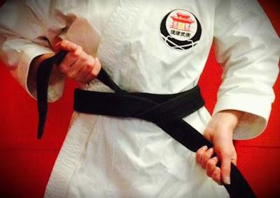 cara pakai sabuk karate