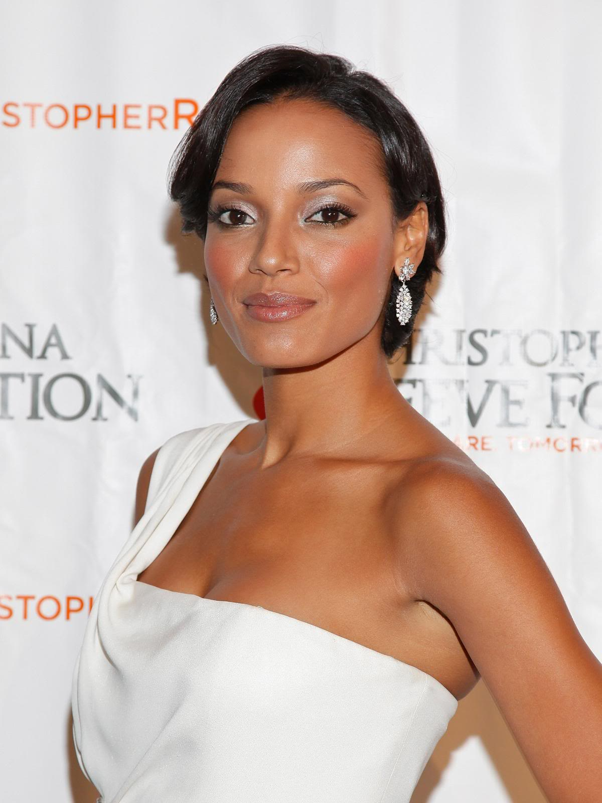 Celebrity Pics: Selita Ebanks