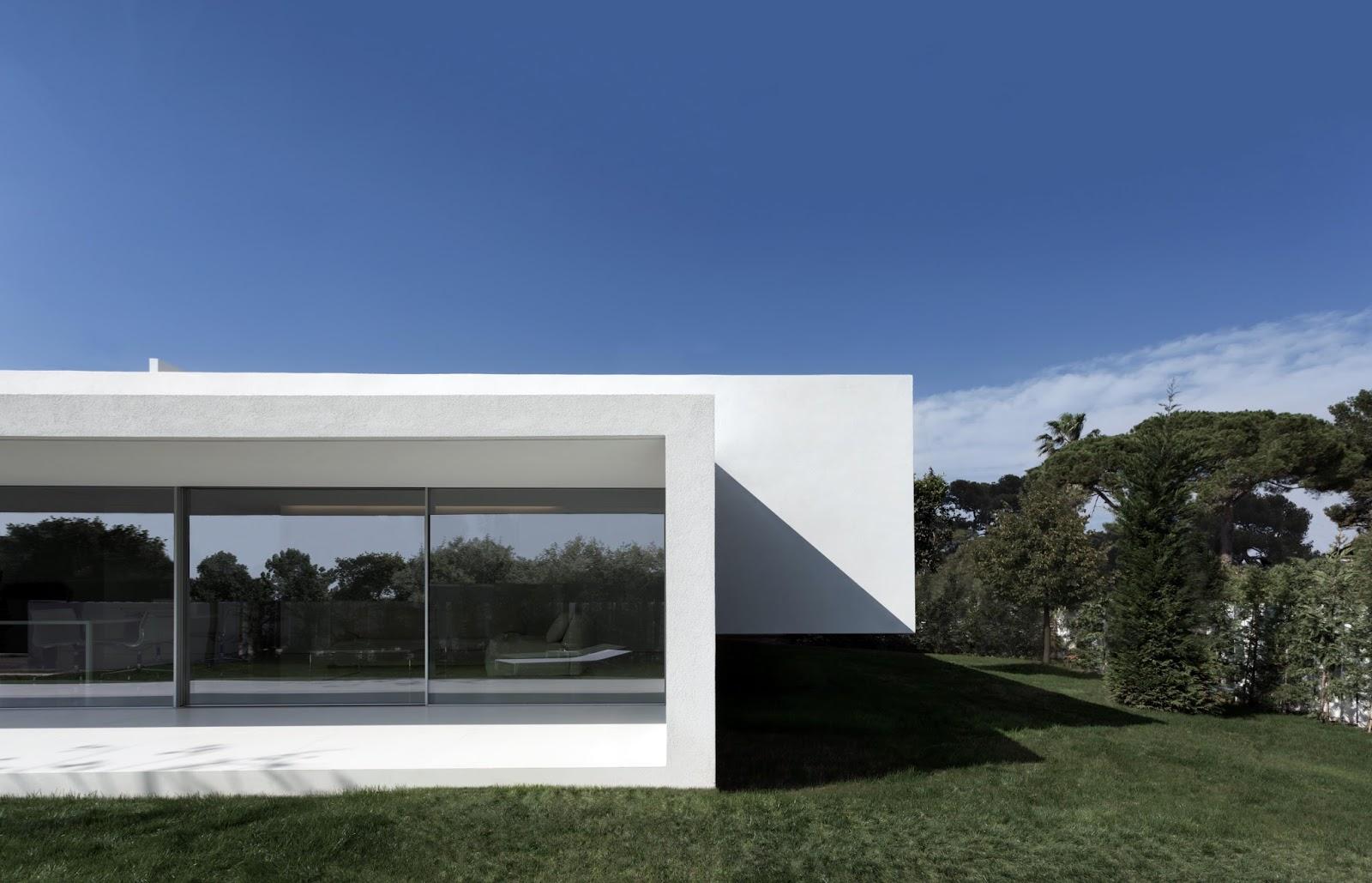 Simplicity love breeze house spain fran silvestre - Arquitectos castellon ...