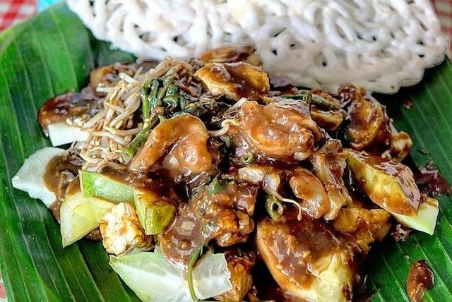 Kuliner Surabaya Berbahan Cingur Sapi;