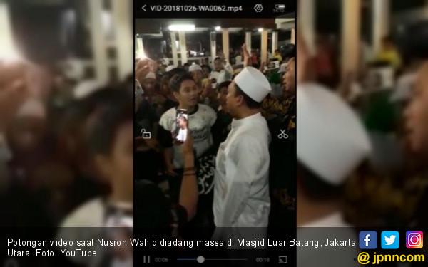 Nusron Wahid Diadang saat Mau Salat di Masjid Luar Batang
