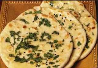 पनीर कुल्चा रेसिपी - Paneer Kulcha Recipe - How to Make Paneer Kulcha at Home