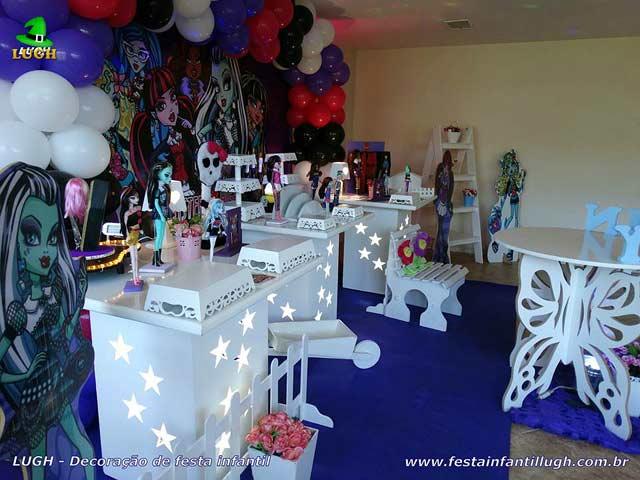 Decoração de festa Monster High - Mesa temática do bolo de aniversário