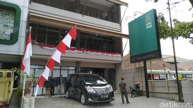 Ketua Dewan Syuro PKB Jabar KH Adang Badrudin Tutup Usia