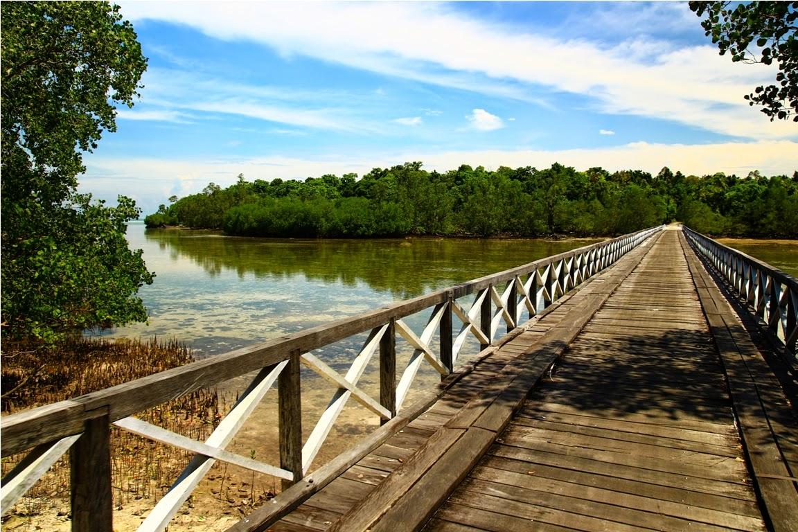 Jembatan Teluk Pea