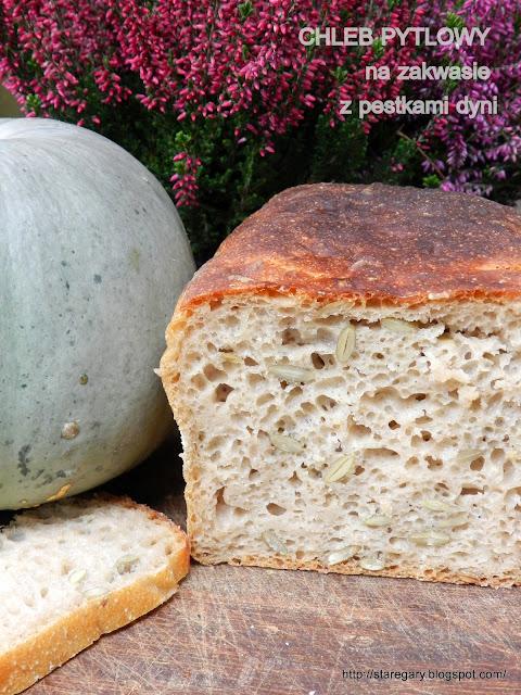 Chleb pytlowy na zakwasie z pestkami dyni - październikowa piekarnia