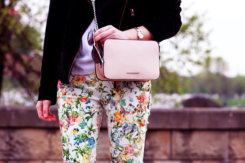 LOOK OF THE DAY: FLOWERS EVERYWHERE zara c&a venezia mohito SimplyTheBest Blog written and created by Ewa Sularz