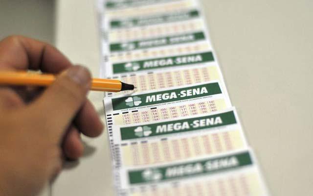 Mega-Sena pode pagar R$ 80 milhões nesta segunda-feira (9)