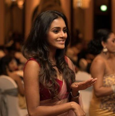 Dinakshie Priyasad Saree