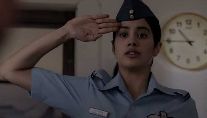 Gujan Saxena The Kargil Girl Movie Trailer