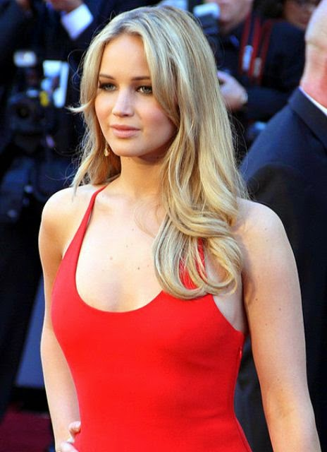 Jennifer Lawrence Red hot HD wallpaper, Jennifer Lawrence hot images on set, Jennifer Lawrence latest hot wallpaper, Jennifer Lawrence latest sexy wallpaper, Jennifer Lawrence award night pics,
