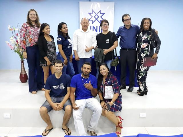 Coronel Chrisostomo destaca o desenvolvimento de Guajará-Mirim em encontro com acadêmico da UNIR