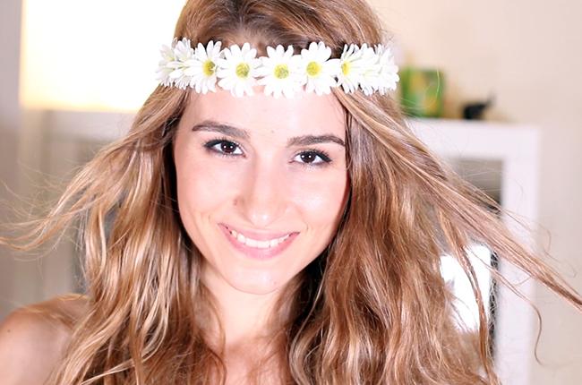 Peinados faciles con diadema de flores
