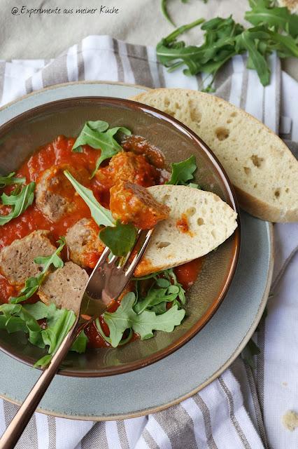 Hackbällchen mit Tomatensauce | Rezept | Kochen | Essen
