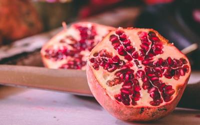 7 Benefits of Pomegranate fruit