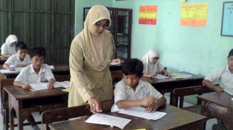Untuk Meningkatkan Kemampuan Mengajarnya, Guru Harus Seperti Ini!