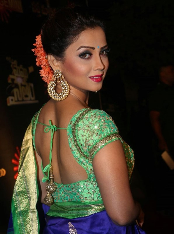 Actress At Gemini TV Awards In Blue Saree Adaa Khan