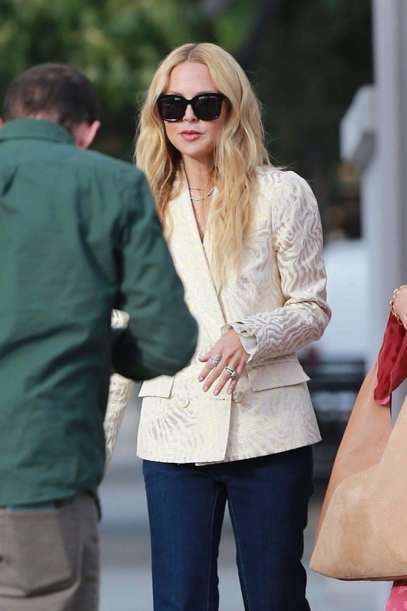 Rachel Zoe Clicks on the Set of a Photoshoot in West Hollywood 18 Dec-2019