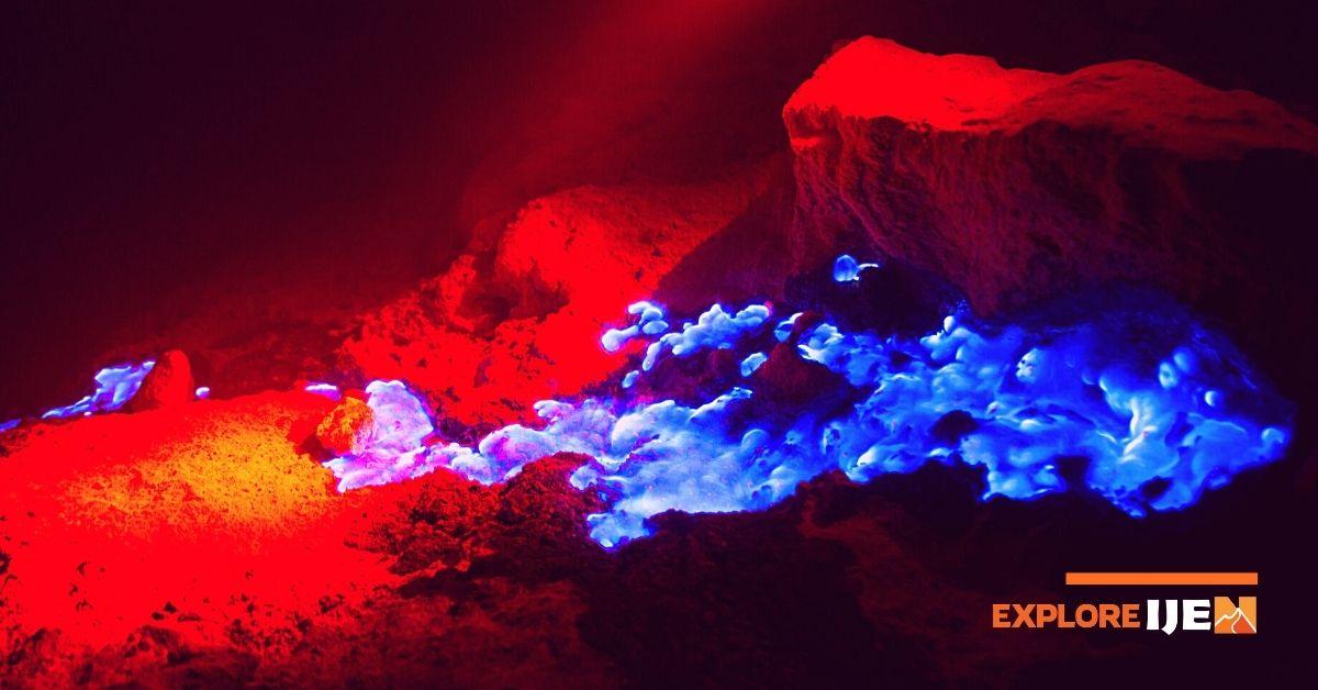 api biru di kawah ijen