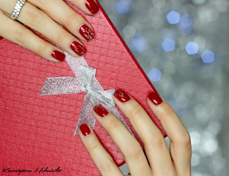 świąteczny Manicure Czerwień Ze Srebrnym Brokatem Hedonistka
