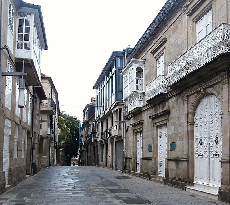 1000 Lugares en Galicia: Museo de Pontevedra. Edificio Sarmiento. Llegada al ...