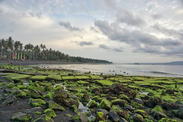 Pantai Cacalan Banyuwangi
