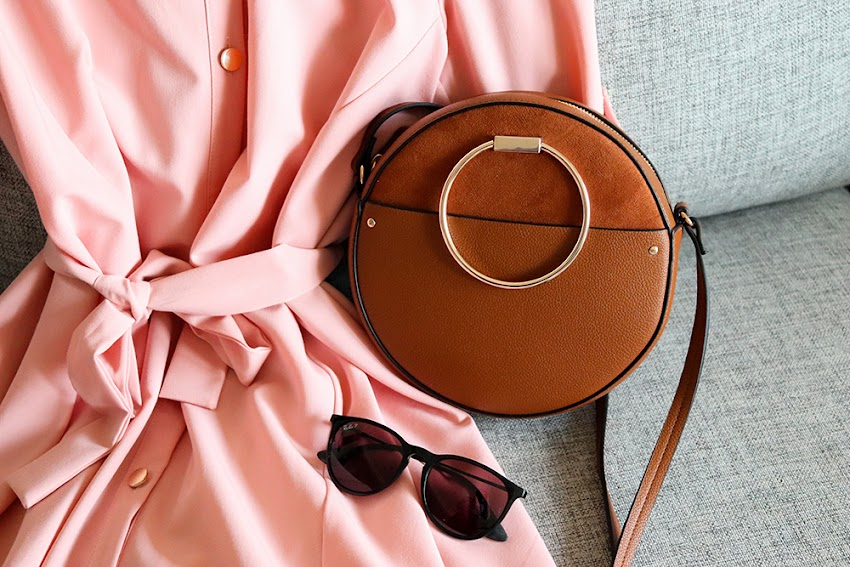Brązowa torebka - idealny dodatek na każdą porę roku