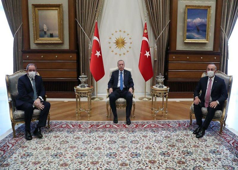 رجب أردوغان وزير الخارجية صبري بوقادوم